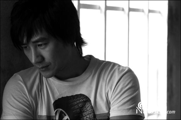 演员严泰雄,将以 比天国陌生 重返连续剧萤幕