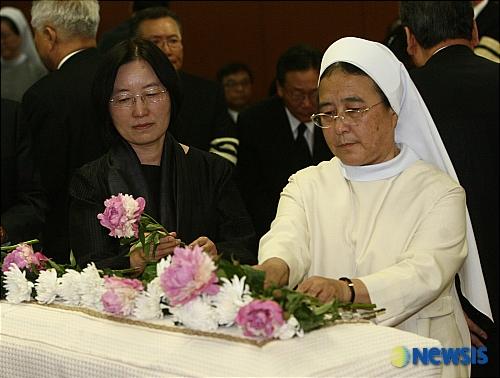 이해인 수녀, 아프니 더욱 사무치는 '엄마'